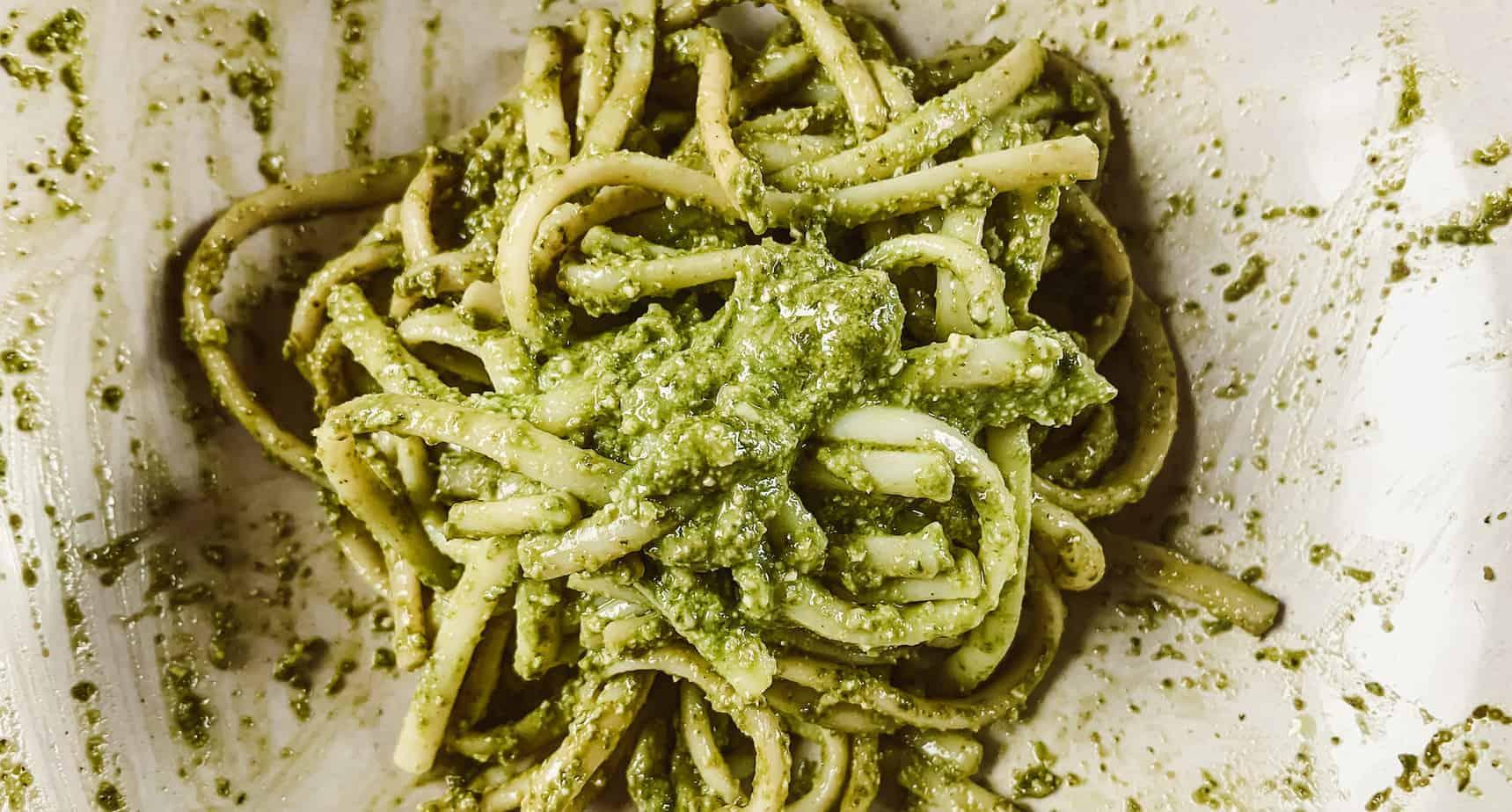 Basilikum-Rosmarin-Pesto selber machen